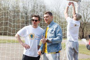 Žinomi vyrai į pergalę vedė futbolo komandas iš vaiikų globos namų